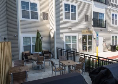 outdoor seating and the Patriot Station leasing office in Chalfont, PA